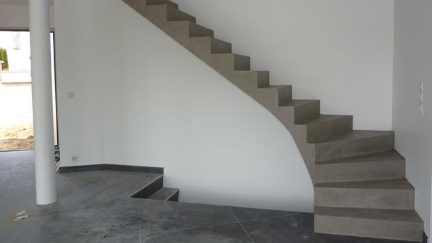 Rev tements en enduit b ton cir d coratif for Escalier beton design